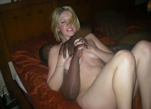 lesbian fucks girl on cam