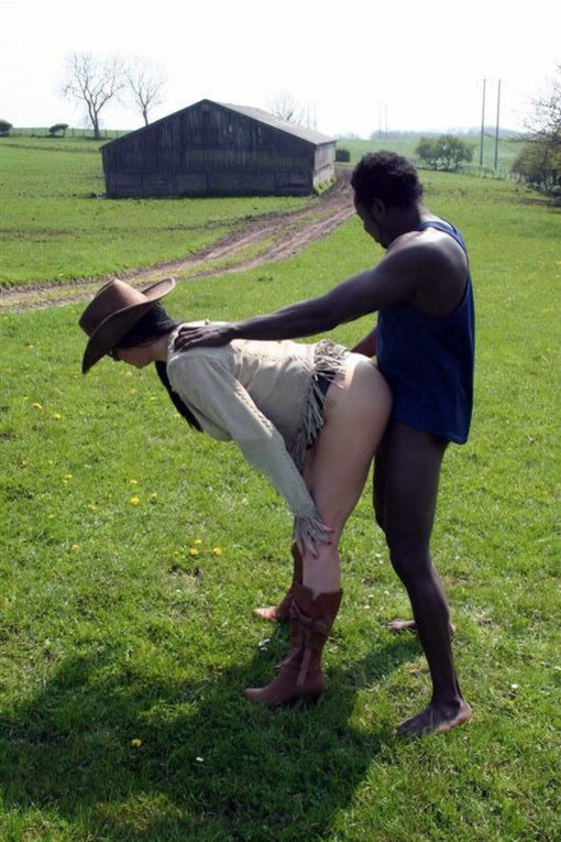 Black Girl Gives Handjob