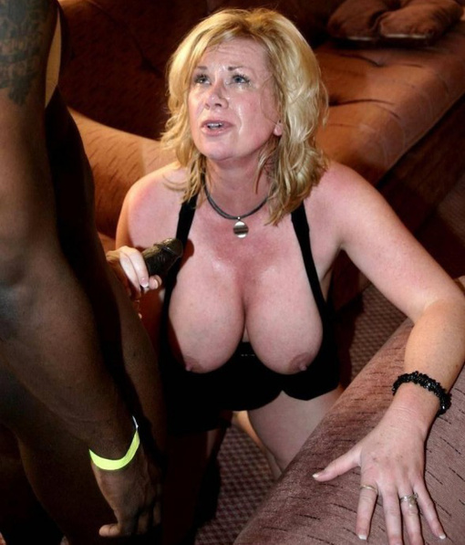 Blonde Mature Amateur Solo