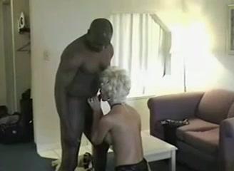 Nude amateur brunette violetta